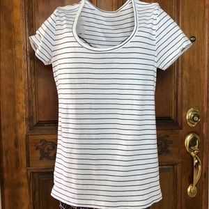 ❤️Nordstrom's white tee with black stripes